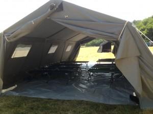 Une tente de louveteaux