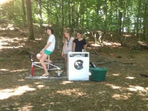 La machine à laver à pédales construite par les routiers