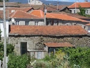6) Moimenta village